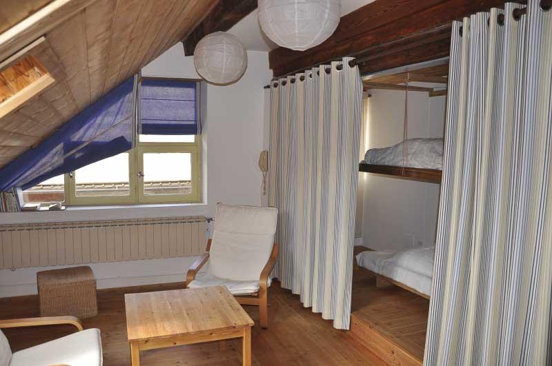 location d 39 appartements meubl s dans le queyras maison de gaudissard. Black Bedroom Furniture Sets. Home Design Ideas